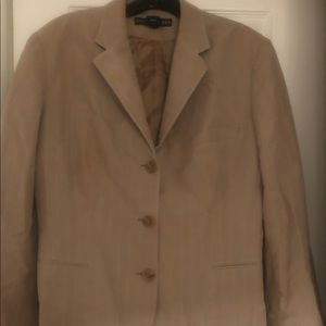 Gorgeous Ralph Lauren ladies 3 button blazer